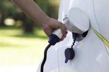 Joint venture tra BMW, Ford, Daimler e Volkswagen per 400 stazioni di ricarica elettrica