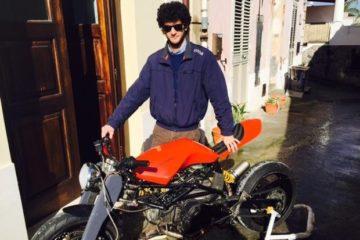 Costruisce una moto come tesi di laurea