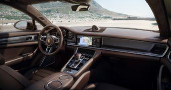 Porsche richiama 75mila Panamera per un problema al servosterzo elettrico