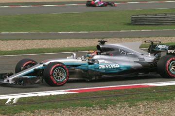 GP di Cina di F1, Hamilton in pole position dopo una bella lotta con Vettel