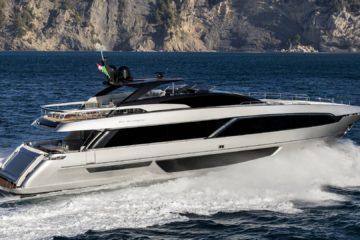 Riva, presentato a Montecarlo il nuovo 100′ Corsaro