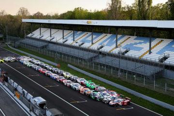 """A Monza la """"P"""" di Pirelli lunga 80 metri"""