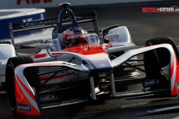 Formula E a Roma, occasione mancata per Mahindra e Felix Rosenqvist