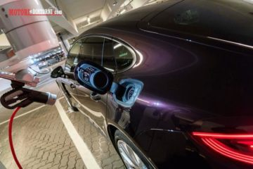 Auto e futuro, Volkswagen prova il parcheggio autonomo all'aeroporto di Amburgo