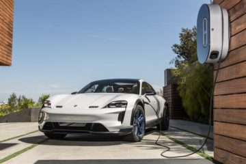 Si chiama Taycan e sarà la prima sportiva elettrica di Casa Porsche