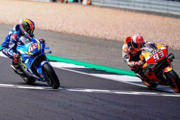 "MotoGp a Silverstone: anche Rins beffa Marquez. Quartararò ""abbatte"" Dovi. Rossi è 4°"