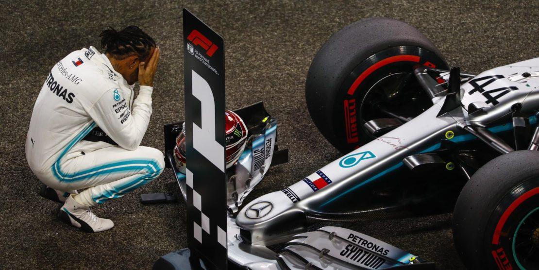 """Il """"Re nero"""" Hamilton chiude al top il Circus 2019. Il 2020 sarà una Formula 1 ancora più combattuta"""