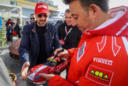 """Le Ferrari sbarcano a Trapani e ritorna il """"mattatore"""" Leo Isolani. La nostra intervista e le foto"""