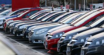 Mercato auto in Italia, a settembre immatricolazioni in calo del 32,7%
