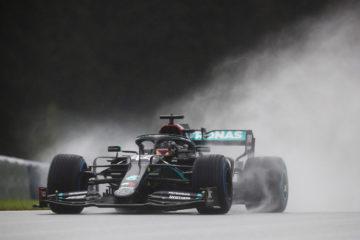 Formula 1, Hamilton davanti a tutti nelle qualifiche del GP di Stiria. Male le Ferrari