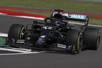 Hamilton in pole al Gp di Silverstone. Ferrari 4^ con Leclerc