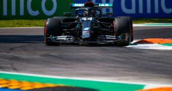 Monza, è pole e record per Hamilton. Disastro Ferrari