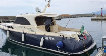 La vetrina nautica di Motoriedintorni – In vendita Mochi Dolphin 51